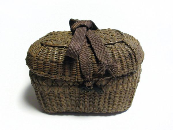 Along with Chyakago (tea ceremony basket)